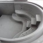 Vidaus betoninis baseinas su hidromasažu
